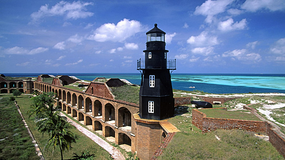 Tortugas Harbor Lighthouse, Fort Jefferson