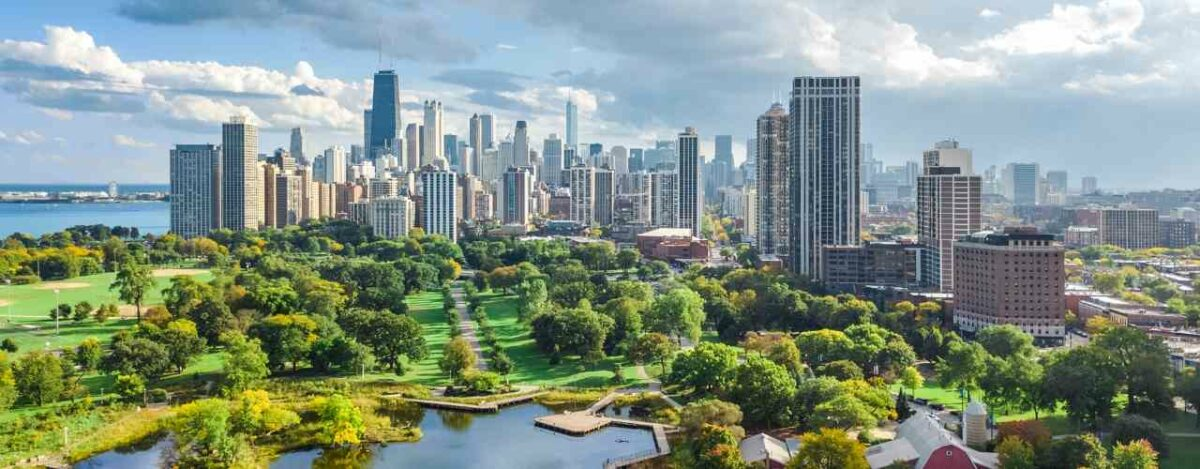 Chicago, Illinois has 19 skyscrapers over 200m making it one of the tallest skylines in the world
