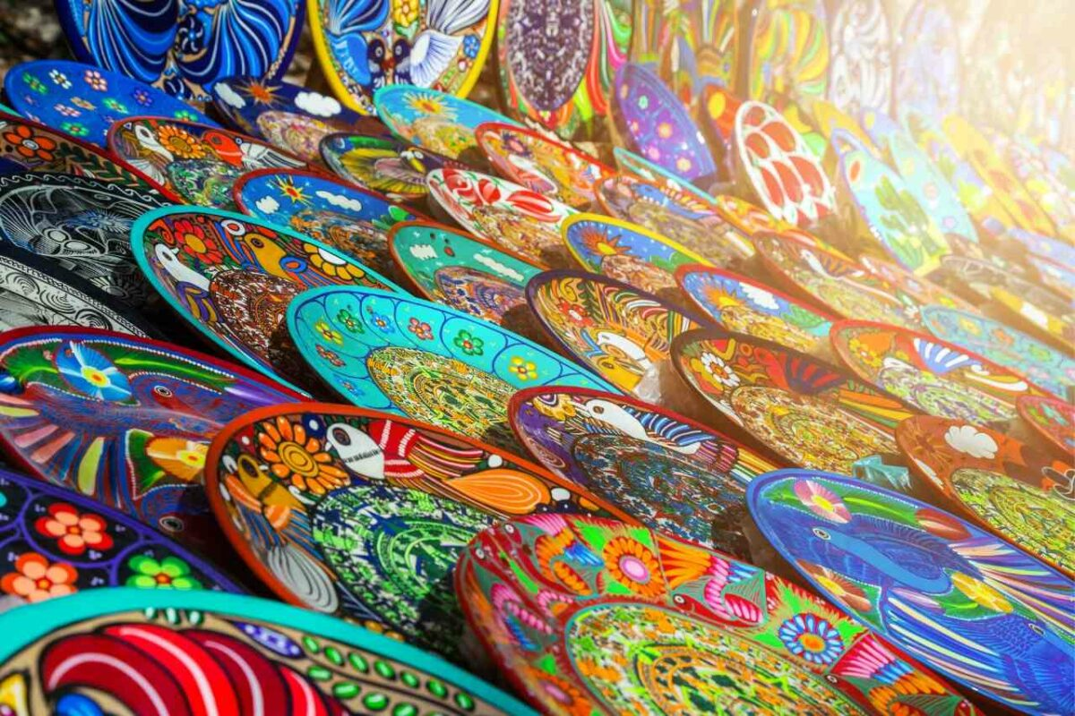 Craft market attractions in Cancun
