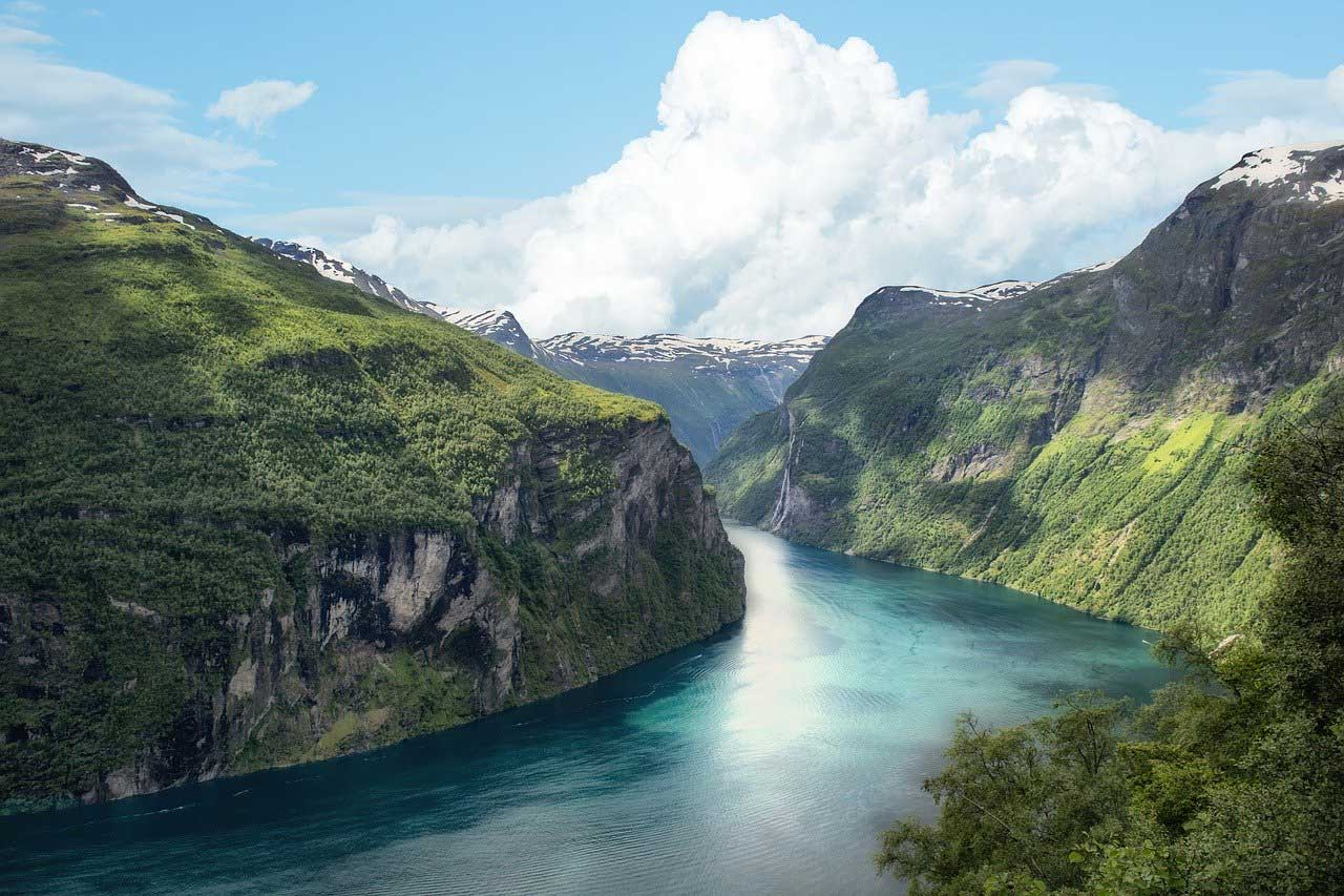 Explore Norway by Visiting These Popular Attractions