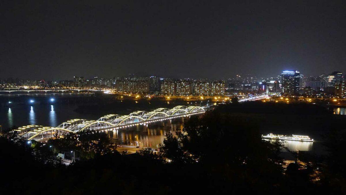 Hangang River , Seoul, South Korea