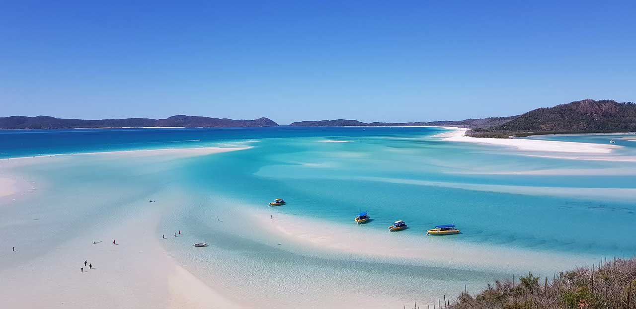 5 Family-Friendly Beaches To Visit in Queensland