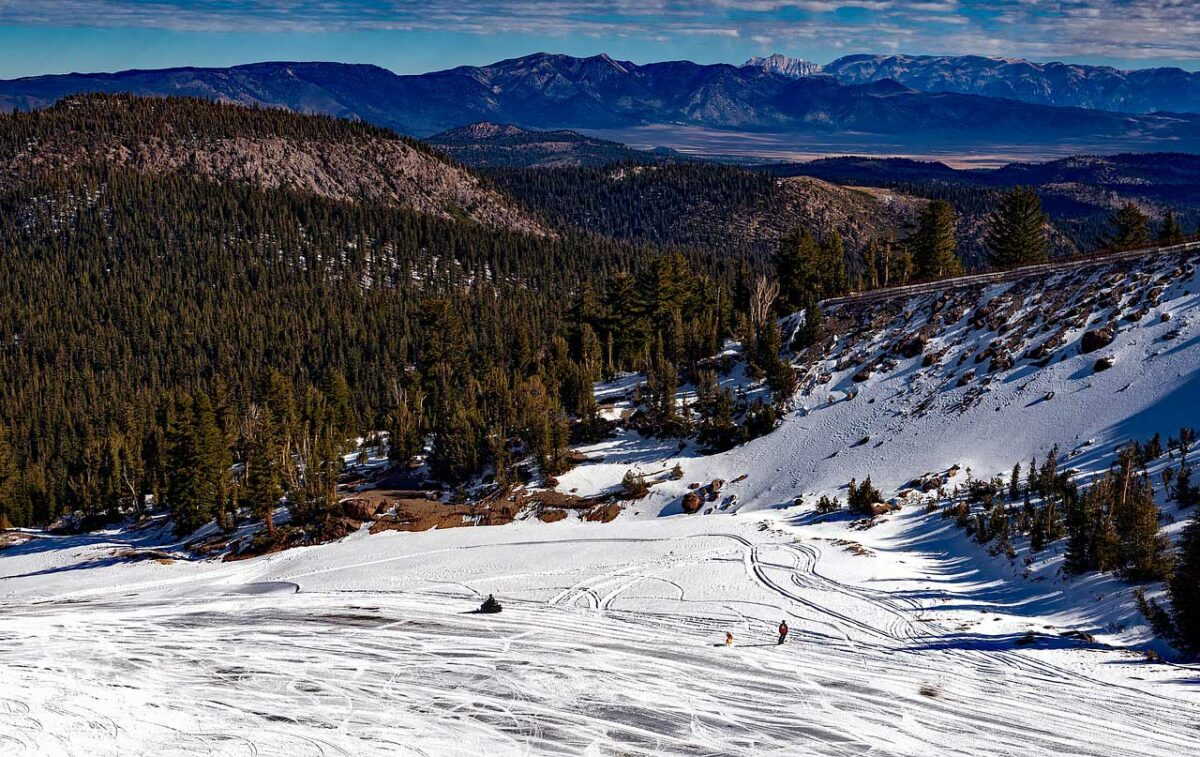 Skiing Mammoth Mountain, California
