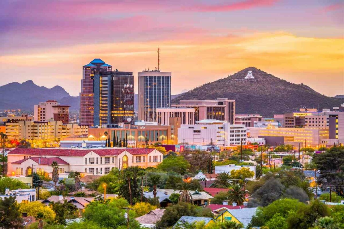 Tucson, Arizona skyline