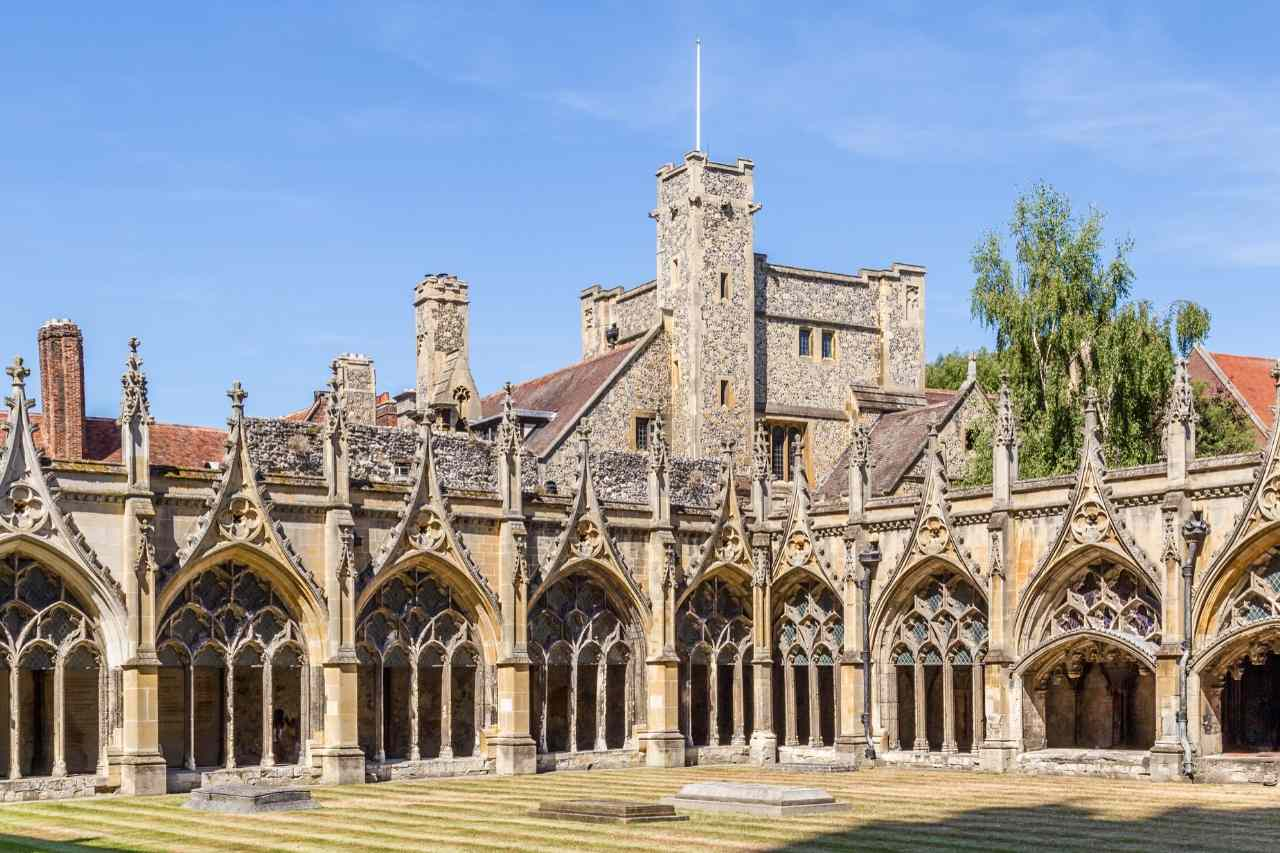 Canterbury History and Travel