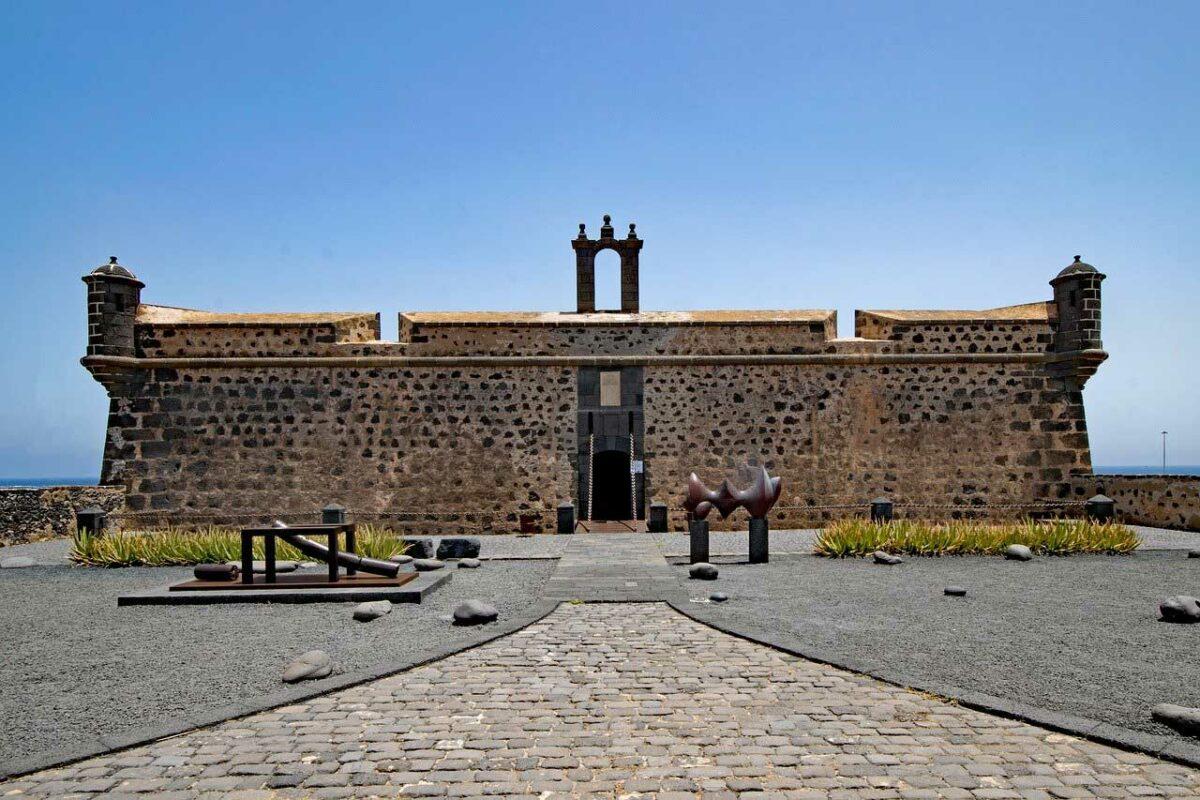 Castillo de San José houses the Museum of international and Contemporary Art