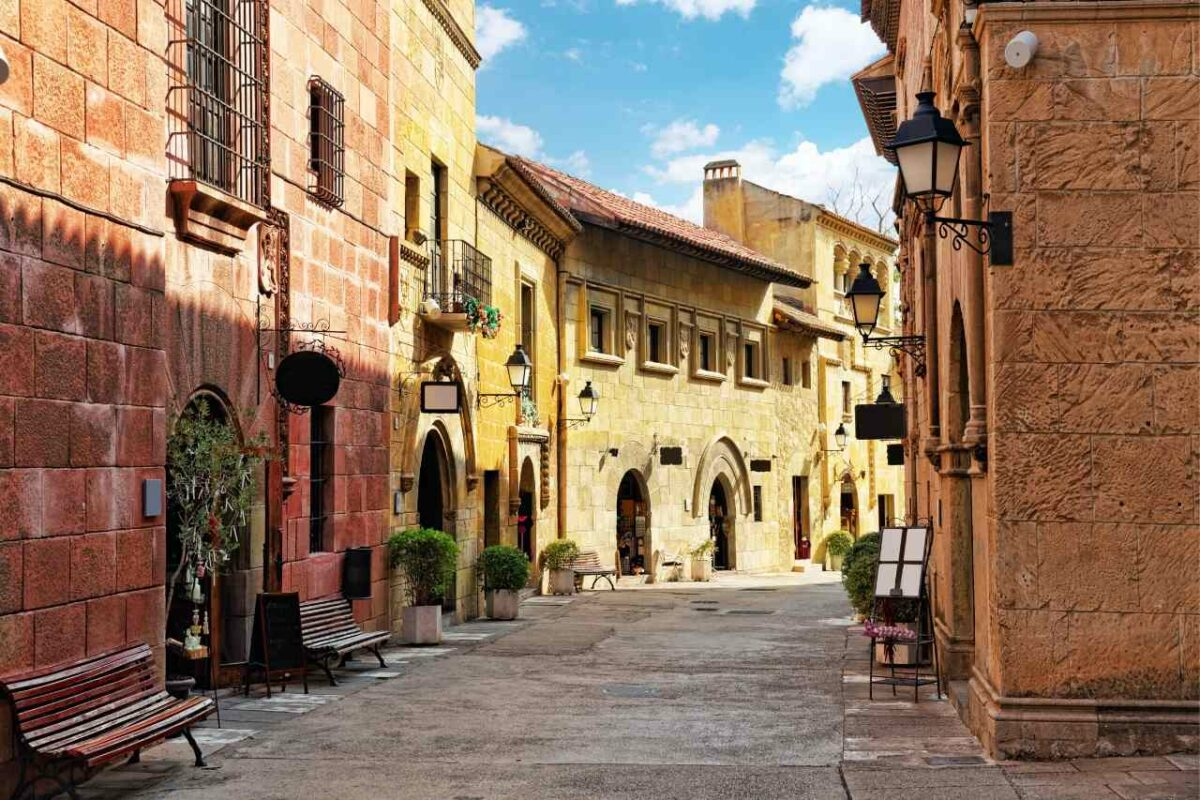 Best Ways to Learn the Catalan Culture in Barcelona
