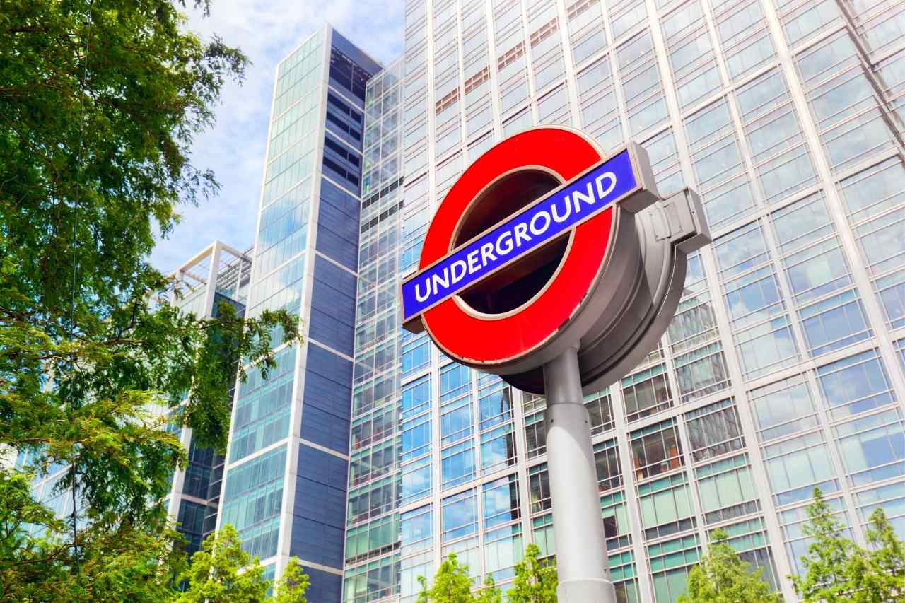 Travel Within Budget in London with Oyster Travel Cards