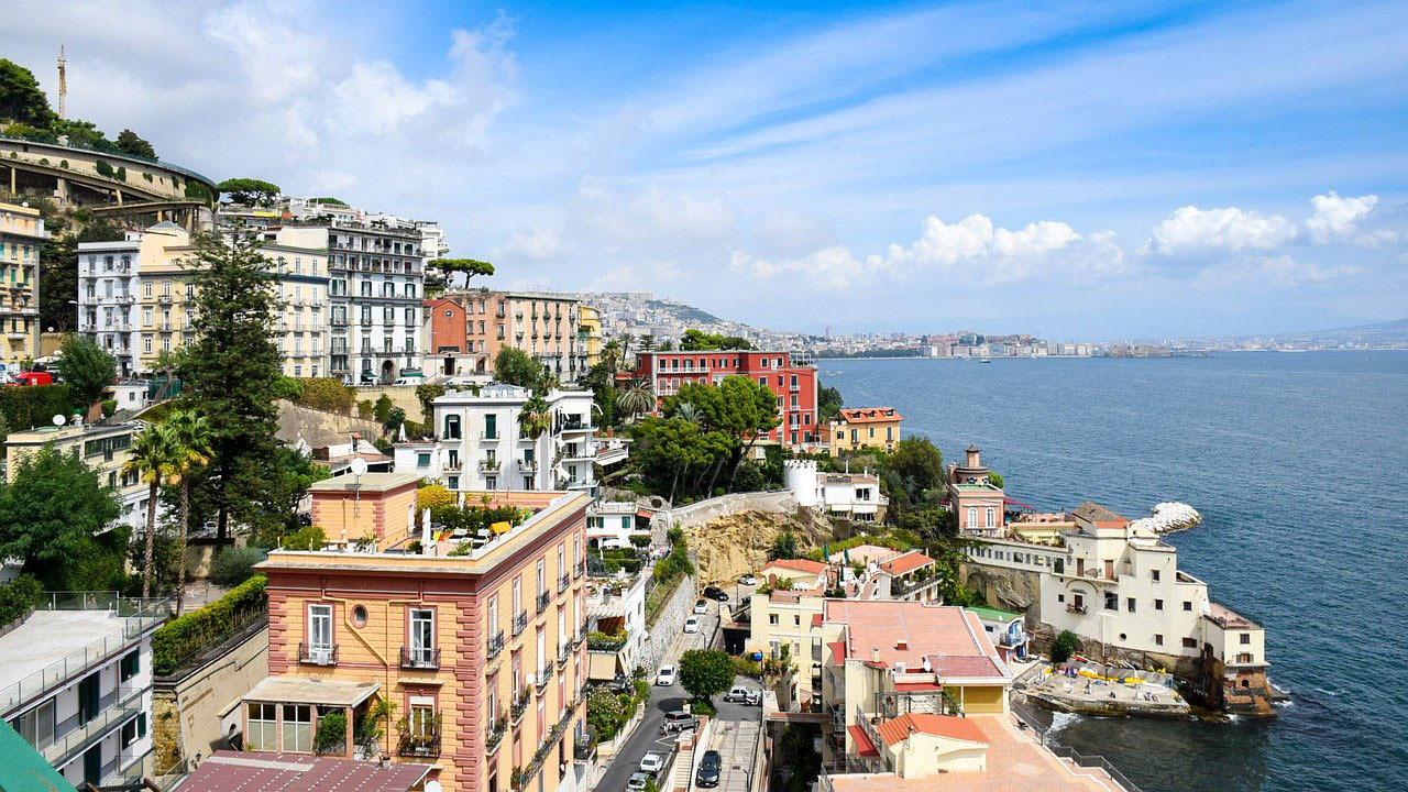 Why Naples Keeps Drawing In the Tourists