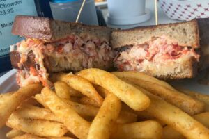 Where to Eat in Marathon, Florida – A Foodie's Guide