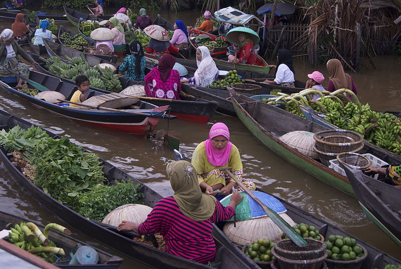 Pasar Terapung floating market in Banjarmasin, Indonesia