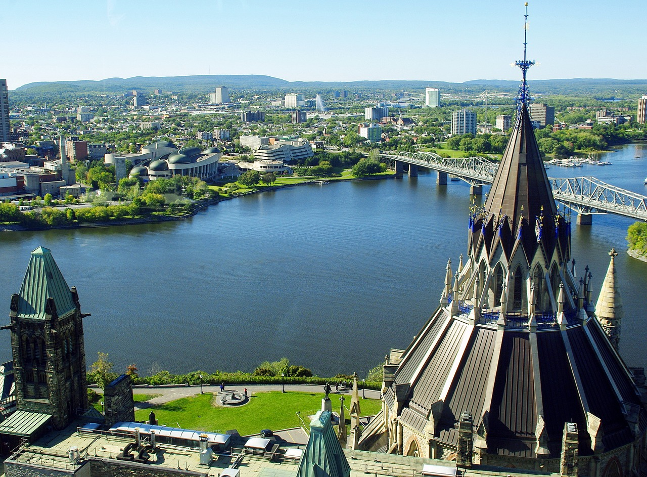 A view of the Ottaoutais River in Ottawa, Canada