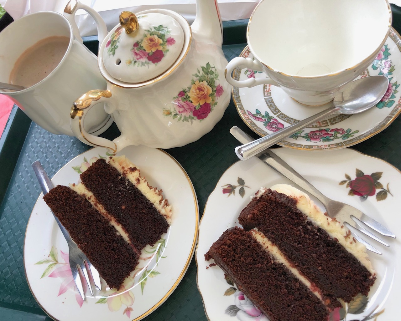 British tea and cakes