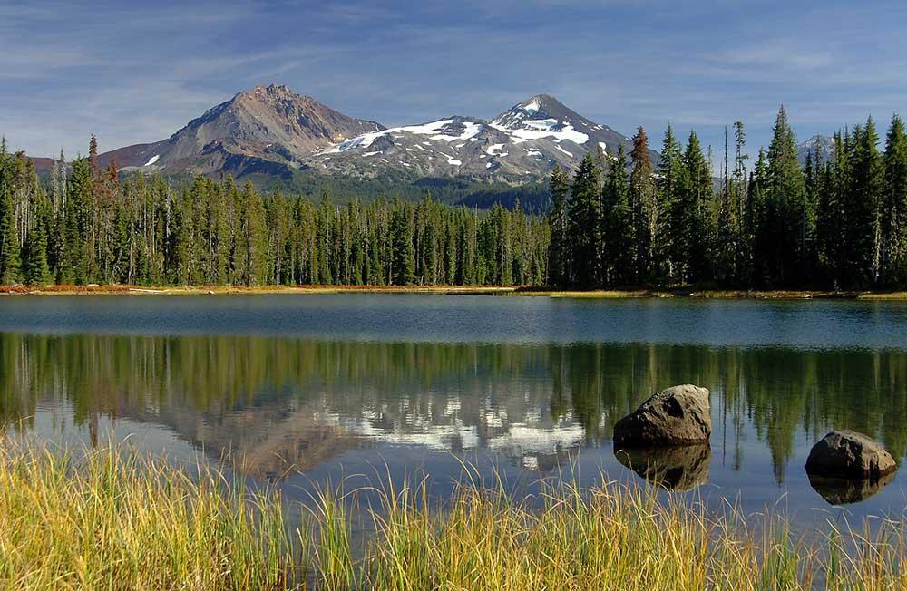 Three Sisters Mountains, Portland, Oregon